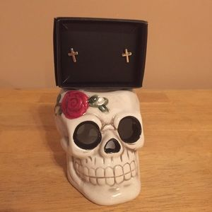 💎Skull Candle Holder with Cross Earring